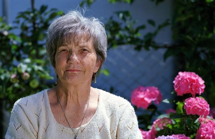 На 40 се осъзнаваш като жена, на 50 - не се даваш на по-младите, а 60 е твоята нова средна възраст!