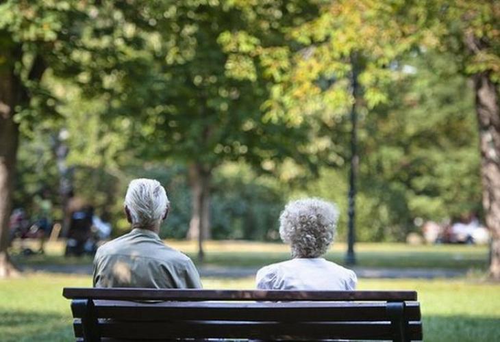 Пенсионери: В Германия сме бедняци, в България - богаташи