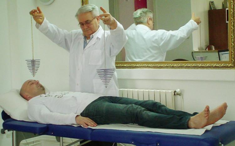 Безценни съвети на лечителя бай Панайот от Търново! Вижте как да се чистите от лошите енергии!
