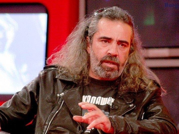 Андрей Слабаков призова за Революция: Вдигай се народе български! Да изметем националните предатели