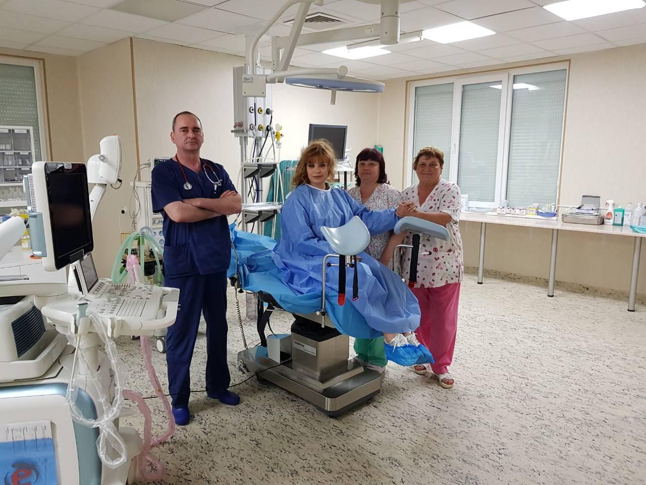 Наши и италиански лекари с уникална за страната ни операция