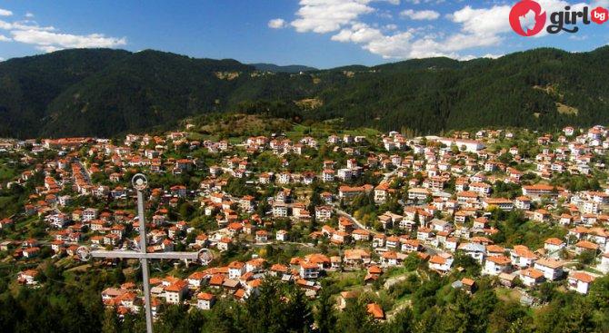 Ето така изглеждаха българските села през 80-те години (видео)