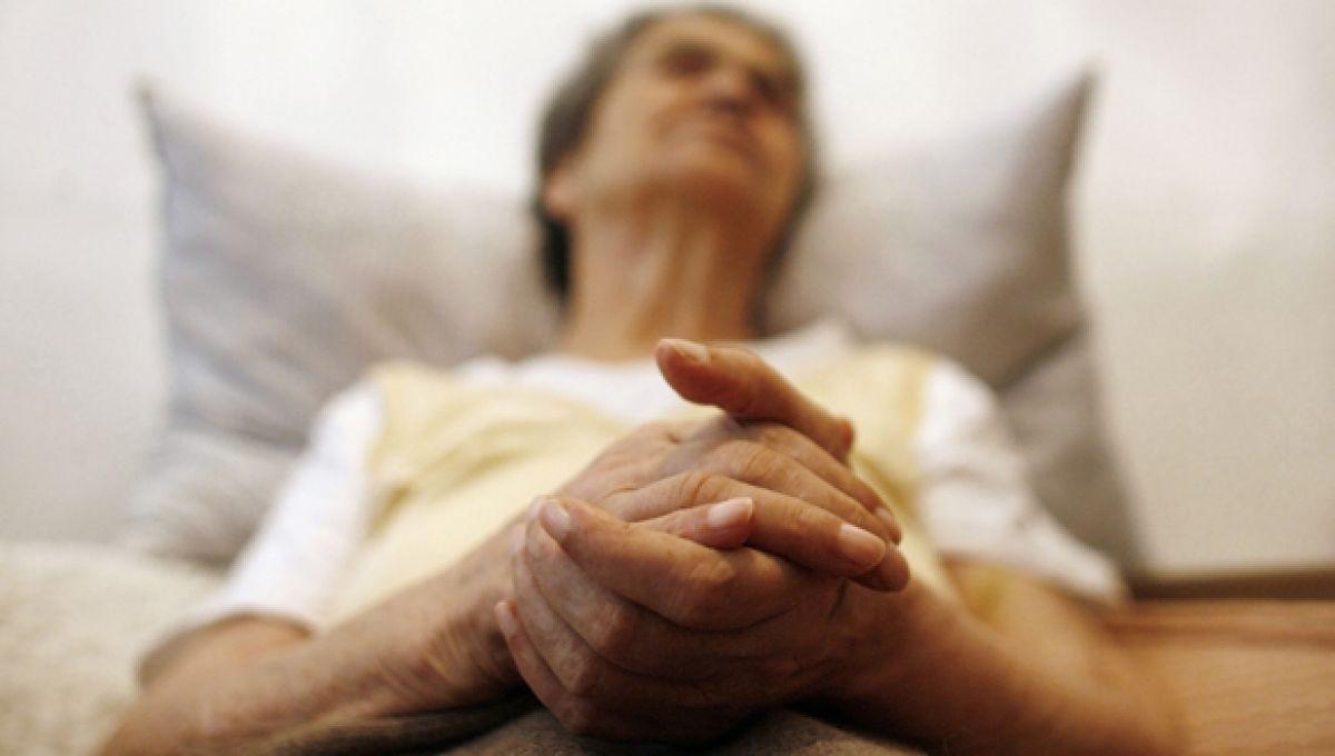 Майка с последната молба преди смъртта си изненада сина си. За съжаление, много хора чакат за едно и също!