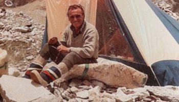 Драмата на алпиниста Аврам Аврамов, обвинен за смъртта на Христо Проданов. Загиналият нарушава заповедта на шефа си и тръгва по Жестокия път