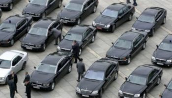 440 хилядна администрация, 120 хиляди служебни автомобила...