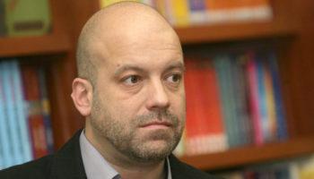 Иво Сиромахов: Не знам дали си давате сметка колко близо сме до диктатурата