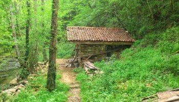 """Кървава река """"тече"""" в най-загадъчната планина на България"""""""