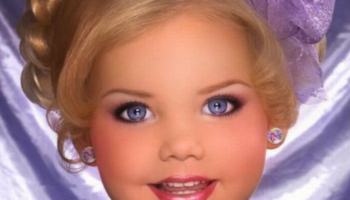 Живата кукла Барби порасна. Вижте как изглежда сега (СНИМКИ)