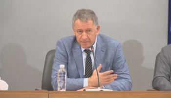 ИЗВЪНРЕДНО: Министър Кацаров обяви новите мерки за учениците