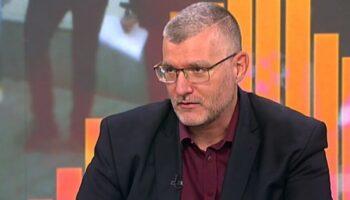 Момеков: Хората не се притесняват да подарят силиконови гърди на дъщеря си, но ги е страх от една ваксина